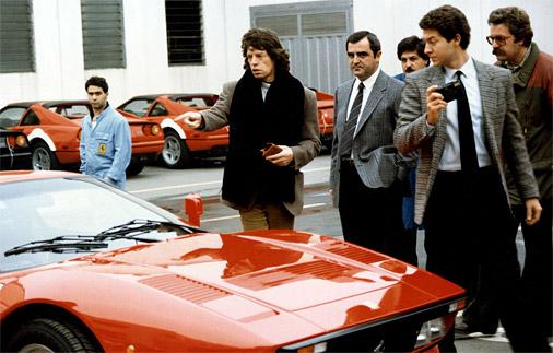 The Rolling Stones solists Miks Džegers novērtē savu jauno 288 GTO