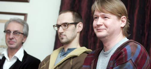 Latvijas Nacionālā teātra direktors Ojārs Rubenis (no kreisās), režisora asistents Jānis Znotiņš un režisors Ģirts Ēcis.