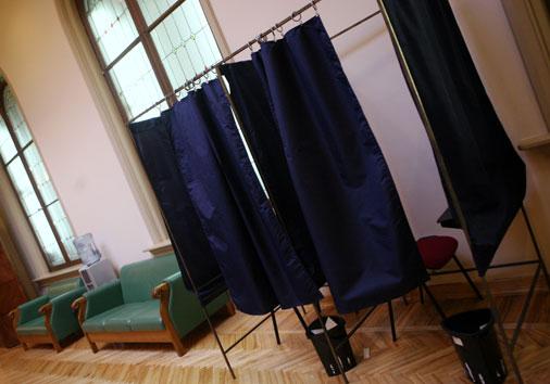 Balsošanas kabīne