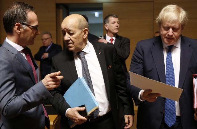 Vācijas ārlietu ministrs Heiko Māss, Francijas ārlietu ministrs Žans Īvs Ledriāns un Lielbritānijas ārlietu ministrs Boriss Džonsons