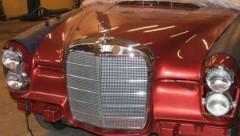 Ziemassvētkos atdzimst klasiski sarkans Mercedes-Benz 250SE