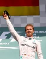 Avārijām bagātā Beļģijas F-1 posmā uzvaru gūst Rosbergs
