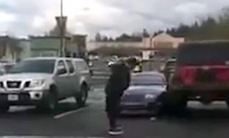 Mēģinājums izmācīt parkošanās nepratēju noiet greizi