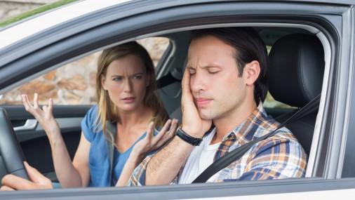5 veidi, kā pasažieris var traucēt auto vadītājam