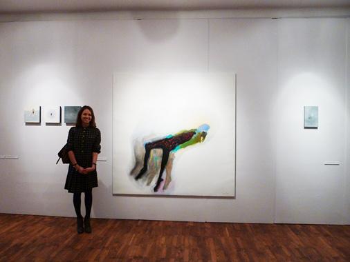 Paula lepojas ar savu gleznojumu