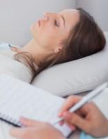 Kādēļ cilvēki bieži vien atliek vizīti pie psihiatra?