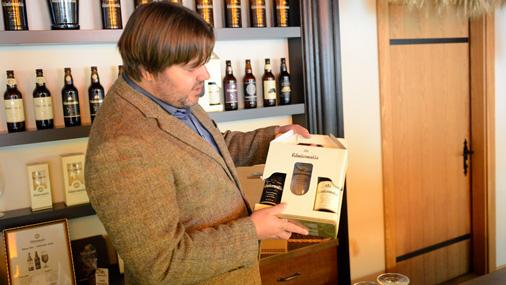 Ruņģis smaidot stāsta, ka vēlas brūvēt tik labu alu, lai to par kvalitatīvu atzītu arī kādreizējie senie Valmiermuižas saimnieki, ja viņiem būtu iespēja nogaršot mūsdienu alu