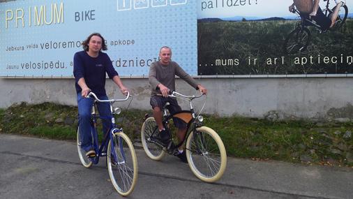 Paši uzņēmuma īpašnieki ikdienā ir aktīvi velosipēdisti