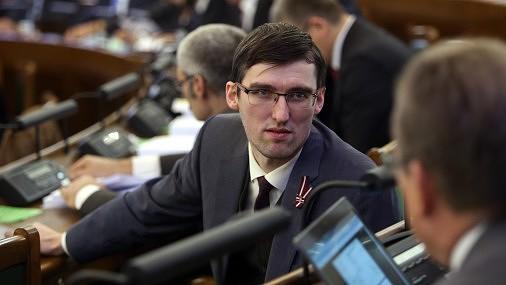 Saeima galīgajā lasījumā pieņem vidēja termiņa budžeta likumu