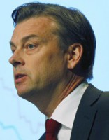 «Swedbank» atlaiž vadītāju Mikaelu Volfu