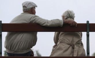 Par iniciatīvu neaplikt pensijas ar IIN savākti vairāk nekā 10 000 parakstu