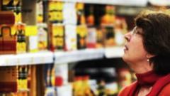 Eksperti uztraukti par iespējamu masveida apšaubāmas pārtikas iepludināšanu Latvijā