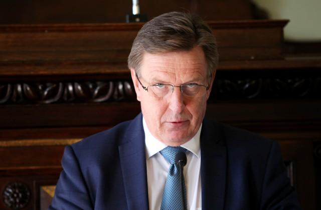 Ministru prezidents Māris Kučinskis uzrunā klātesošos konferencē
