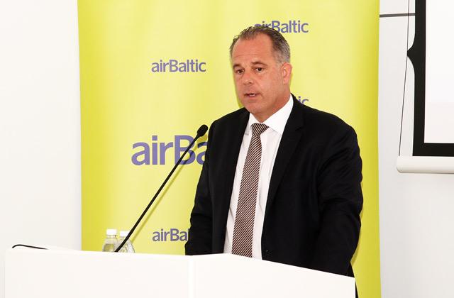 """Latvijas nacionālā lidsabiedrības AS """"airBaltic"""" izpilddirektors Martins Gauss"""