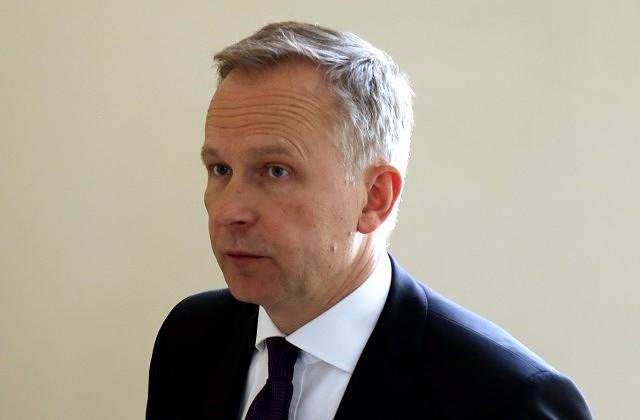 Latvijas Bankas prezidents Ilmārs Rimšēvičs ierodas uz tikšanos ar Ministru prezidentu, lai apspriestu nodokļu politikas jautājumus