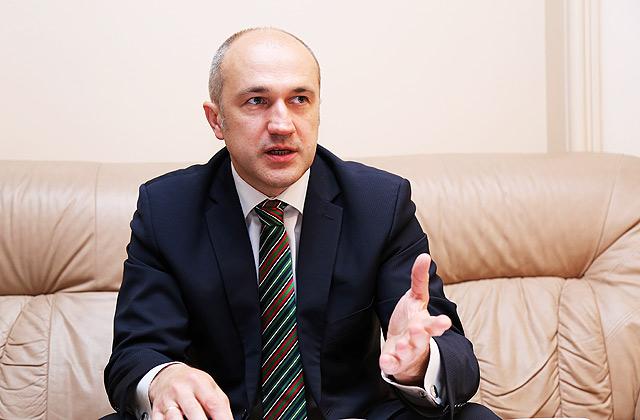 Finanšu ministrijas valsts sekretāres vietnieks Armands Eberhards