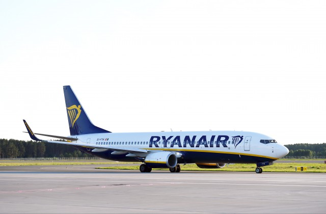 """Ryanair"" lidmašīna"