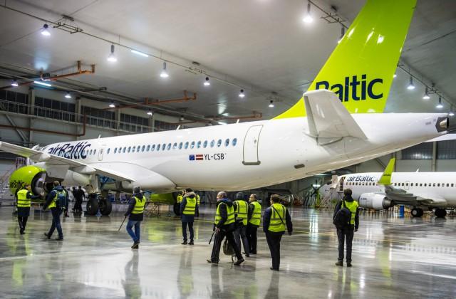 «Bombardier» CS300 lidmašīnā