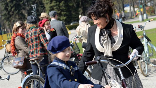 Tvīda brauciens Rīgā pulcējis ap 400 velomīļu
