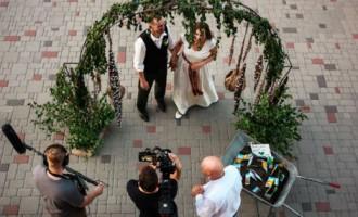 Šovā «Pirmā kāzu deja» uzvar tautiskā deja Santas un Artūra izpildījumā