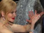 Kāpēc Nikola Kidmena aplaudē kā ronis?