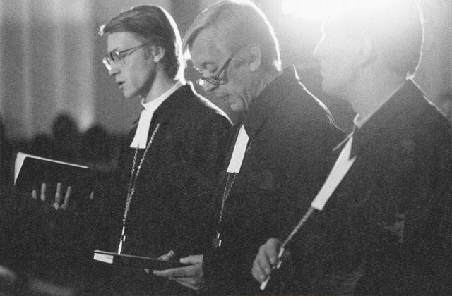 Mācītāji LTF 2. kongresa laikā dievkalpojumā Doma baznīcā
