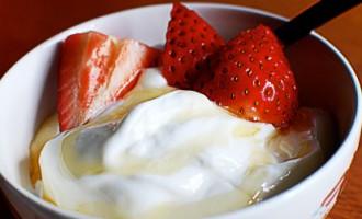 Patiesībā jogurti nav nemaz tik labi jeb 5 lietas, kas jāzina pirms pirkšanas