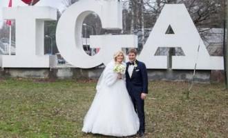 Kāda izskatījās Nila Ušakova sievas kāzu kleita?