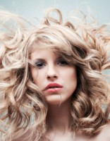 5 kļūdas, ko pieļaujam un mūsu mati nespīd kā pēc frizētavas!