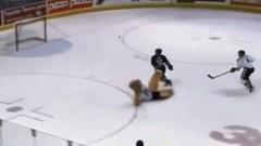 Noskaties: Fenomenāli vārti hokeja mačā!