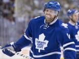 «Maple Leafs» zvaigzne aizmainīts uz «Penguins»