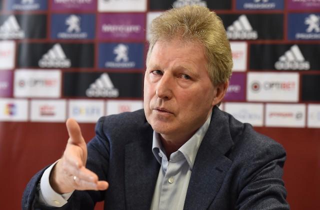 Latvijas futbola izlases galvenais treneris Aleksandrs Starkovs