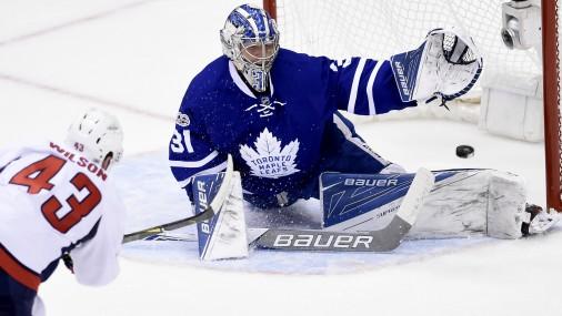 """Toms Vilsons gūst vārtus pret Toronto """"Maple Leafs"""""""
