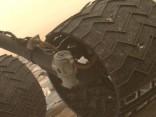 Vecums nenāk viens: Curiosity sāk atdalīties detaļas