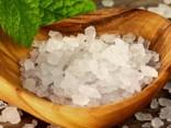 Mīts vai patiesība: vai vārāmais sāls ir veselīgāks par jūras sāli?