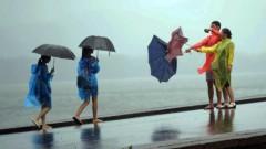 Ceturtdien daudzviet līs stipri