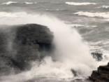 Vēja dēļ slēgta Salacgrīvas osta