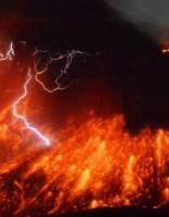 Netālu no AES Japānas dienvidos noticis vulkāna izvirdums