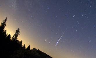 Debesīs virs Sibīrijas uzsprādzis meteorīts