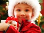 Kādas Ziemassvētku dāvanas pirkt viņai, viņam un mazajiem