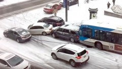 Automašīnu kērlings Ziemassvētku noskaņās