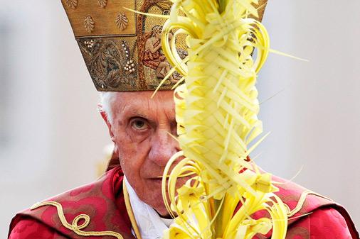 Pāvests 2012.gadā, Vatikāna centrālajā laukumā vadot Palmu svētdienai veltītu dievkalpojumu