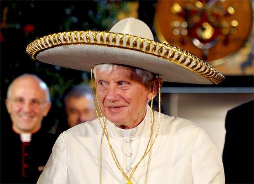 Pāvests Benedikts VXI vizītē Meksikā 2012. gada martā