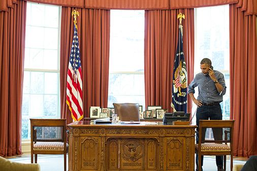 ASV prezidents Baraks Obama sarunās pa telefonu ar Krievijas prezidentu Putinu