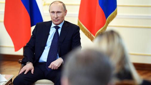 Krievijas prezidents Vladimirs Putins piedalās īpaši sasauktā preses konferencē 4. martā