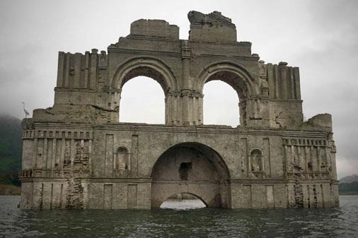 400 gadus sena baznīca Meksikā