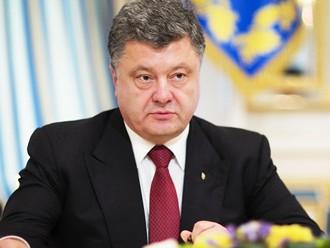 Porošenko Ukrainā izsludinās parlamenta pirmstermiņa vēlēšanas