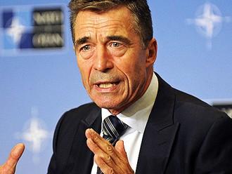 Rasmusens apsola: NATO palielinās klātbūtni Austrumeiropā