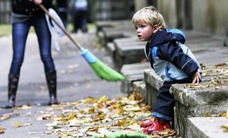 Bailēs no pedofila skolas atceļ pasākumus, vecākie skolēni pieskata mazākos