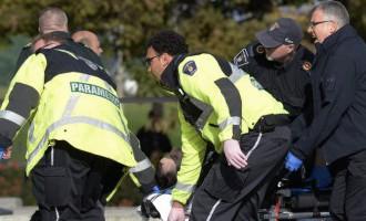 Apšaudē pie Kanādas parlamenta gājis bojā karavīrs; šāvējs nogalināts